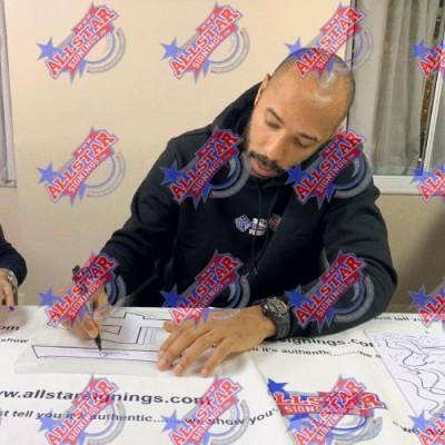 Арсенал Футболки Henry, Bergkamp, Pires и Vieira с автографами (багет)