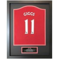 Манчестер Юнайтед Футболка Giggs с автографом (багет)