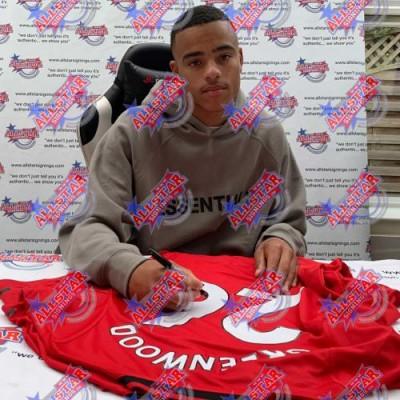 Манчестер Юнайтед Футболка Greenwood с автографом (багет)