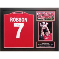 Манчестер Юнайтед Футболка Bryan Robson с автографом (багет)