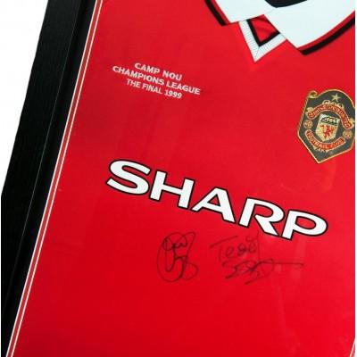 Манчестер Юнайтед Футболка с автографами Solskjaer и Sherringham и медаль(багет)